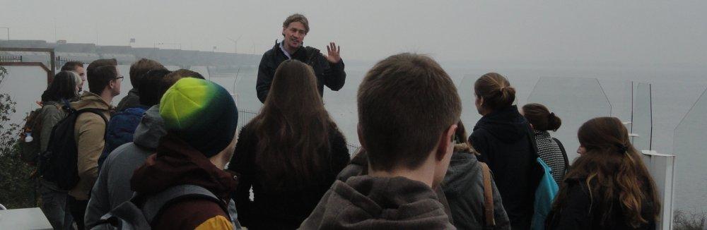 Brak Bezoek: studenten krijgen uitleg van Jeroen van Herk