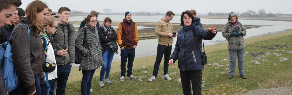 Brak Bezoek: studenten krijgen uitleg van Hanneke Mesters