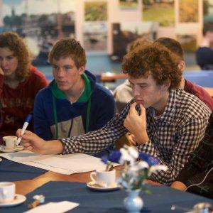 Studenten op de inspiratiedag bij de Haringvlietsluizen